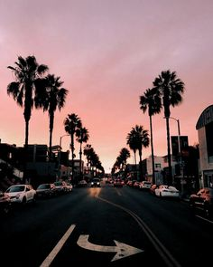 Pics palm trees and cotton candy sky in los angeles, california # Tumblr Wallpaper, Tumblr Backgrounds, Tree Wallpaper, Beautiful Places, Beautiful Pictures, Beautiful Sunset, Sky Aesthetic, Aesthetic Collage, Summer Sunset