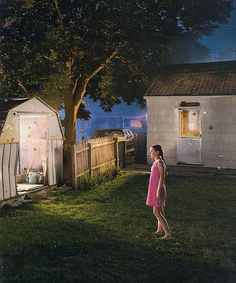 This is my favorite photo by one of my favorite professional photographers, Gregory Crewdson. I love his film-like approach to photography, his use of light - absolutely breathtaking, as you can see here. Narrative Photography, Cinematic Photography, Night Photography, Fine Art Photography, Edward Hopper, Diane Arbus, Gregory Crewdson Photography, Tableaux Vivants, Great Photographers