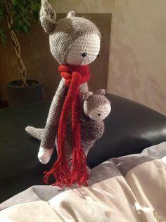 KIRA the kangaroo made by Sylvie C. / crochet pattern by lalylala