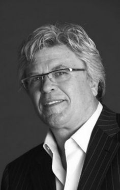 """I love the Blue Collar Tour! """"You can't fix stupid"""" Ron White Ron White, Black And White, Country Music Artists, Funny Stuff, Funny Things, Celebs, Celebrities, Funny Facts, Funny People"""