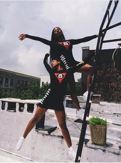 the clermont twins Clermont Twins, Dark Skin Girls, Black Sisters, Girls Rules, Brown Girl, Woman Standing, Best Friend Goals, Dark Beauty, Black Is Beautiful