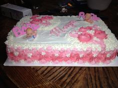 The side view of the baby shower cake