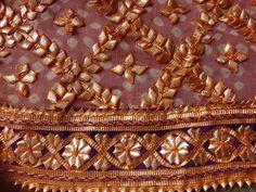 Fancy Dress Design, Stylish Dress Designs, Designs For Dresses, Hand Work Embroidery, Hand Embroidery Designs, Embroidery Dress, Pakistani Fashion Party Wear, Pakistani Wedding Outfits, Gota Patti Saree