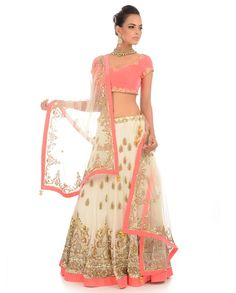 White Lengha Set with Embellished Motif