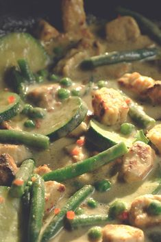 Try this delicious recipe for a healthier Thai curry, made with Quorn Pieces, lemongrass, ginger, soy sauce, coconut milk and green beans.