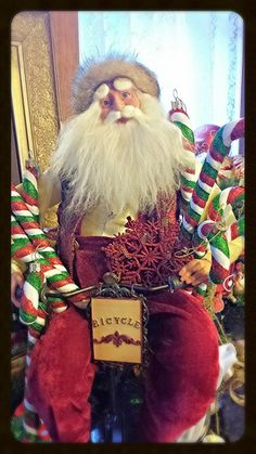 Holiday Cheer when Santa is near! Join Tippecanoe Place Restaurant in downtown South Bend, IN every Sunday Brunch to see Santa himself!