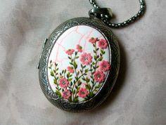 http://lenahandmadejewelry.deviantart.com/art/Spring-that-never-goes-away-493871225