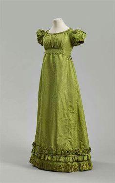 1810-1815, Europe Silk evening dress RMN - Grand Palais