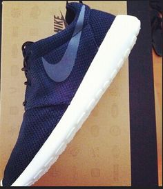 More color choice, invincible Nike Roshe Running , so fashion running shoes !