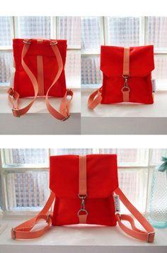 Items op Etsy die op Convertible backpack purse handmade from fabric - cotton & polyester lijken Diy Backpack, Minimalist Bag, Diy Purse, Convertible Backpack, Craft Bags, Denim Bag, Fabric Bags, Handmade Bags, Bag Making