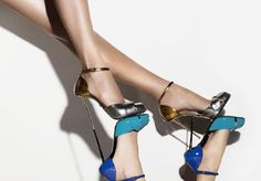 MARCO PROIETTI DESIGN: LIFE IS IN DETAIL. Precious emotions to wear with dizzying boldness and sinuous elegance. Discover more on http://ob-fashion.com/marco-proietti/?lang=en  #shoes #shoeslover #fashion #shopping #madeinitaly #luxury #obfashion #emergingtalent #emergingdesigners #heels   #hightheels   #اتجاهات #тенденции #トレンド #ファッション #мода #موضة #style #moda