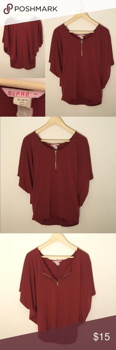 Maroon 1/4 Zip Bat Sleeve Top Size XS This cute maroon cotton top has a short sleeve bat sleeve for effortless style. Originally bought in Australia from Supré! Only worn a few time. Feel free to ask me any questions! Women's Size XS. Silver zipper in front works perfectly. Tops Tees - Short Sleeve