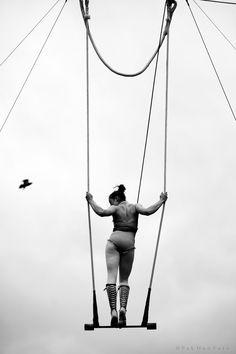 http://www.pakhan.com/wp-content/uploads/2010/05/Trapeze-Artist-Foto-by-Pak-Han-M.jpg