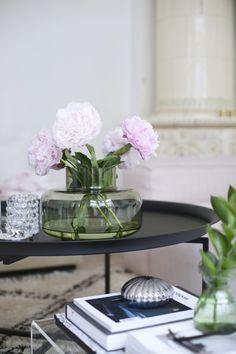 E Flowers, Marimekko, Container Gardening, Floral Arrangements, Glass Vase, House Design, Modern, Inspiration, Peonies