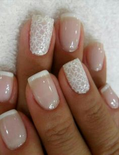 Classic neutral nail. Gorgeous. And, perfect for a wedding?!