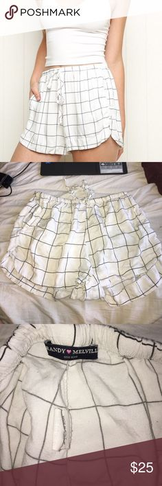 Brandy Melville Grid eve shorts No flaws. Has drawstrings to tighten or loosen. Have been worn Brandy Melville Shorts