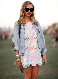 Just Perfect 25+ Beautiful Coachella Outfit Ideas For Cozy Summer Outfits 2018 https://www.tukuoke.com/25-beautiful-coachella-outfit-ideas-for-cozy-summer-outfits-2018-17837