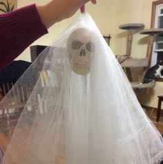 Simple Tulle Ghost Easy Halloween Decorations, Tulle, Simple, Projects, Log Projects, Blue Prints, Tutu, Mesh, Tulle Skirts