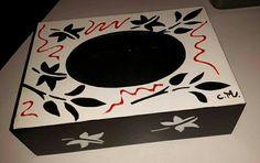 Caja porta pañuelos- stencil- pintura relieve By Claudia Mirkin