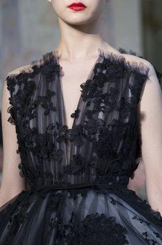 Giambattista Valli at Couture Fall 2017 - Details Runway Photos