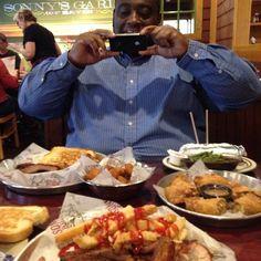 Bout to get my grub on! #bbq #sonnysbbq #treatmeal