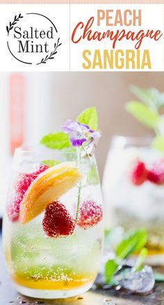 A sparkling white peach sangria that's perfect for weddings and outdoor entertaining. Fresh peaches and champagne cocktail. #cocktail #peach #champagne #entertaining