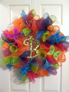 Summer-initial-wreath-summer-mesh-wreath!!! Bebe'!!! Love this happy summer wreath!!!