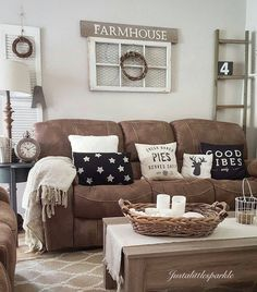 Outstanding Microfiber Couch Farmhouse Living Room Decor Ideas These pillows are so cute! The post Microfiber Couch Farmhouse Living Room Decor Ideas These pillows are so cute!… appeared first on Derez Decor . Living Room Remodel, My Living Room, Apartment Living, Small Living, Cozy Living, Rustic Apartment, Living Room Decor Brown Couch, Decor With Brown Couch, Brown Living Rooms