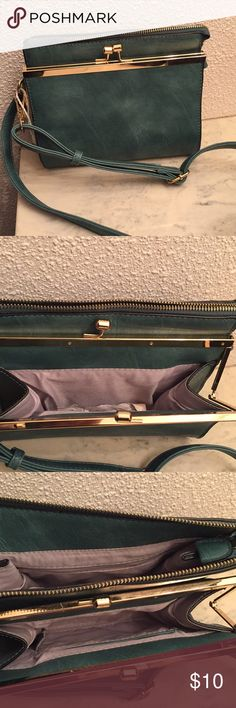 Cross-body purse with gold details! This gorgeous pleather convertible back (crossbody/clutch) can add a nice pop color to your outfit. Used twice, lots of space and has adjustable shoulder trap. Feel free to make an offer and don't forget to bundle savings! Bags Crossbody Bags