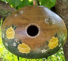 Birdhouse‑gourd