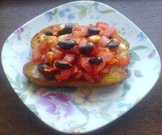 Retete Culinare Preparatedevis.ro: Bruschete cu rosii si masline