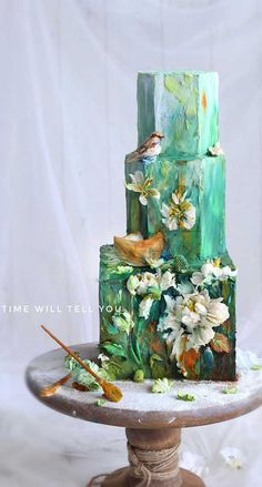 Just like bridal dresses, wedding cakes can also be trendy or obsolete. A traditional wedding cake is usually a white vanilla cake in towering stacked layers. However, we are onto year wedding cake trends are becoming more and more playful. Textured Wedding Cakes, Elegant Wedding Cakes, Cool Wedding Cakes, Wedding Cake Designs, Unusual Wedding Cakes, Elegant Cakes, Wedding Themes, Wedding Colors, Traditional Wedding Cake