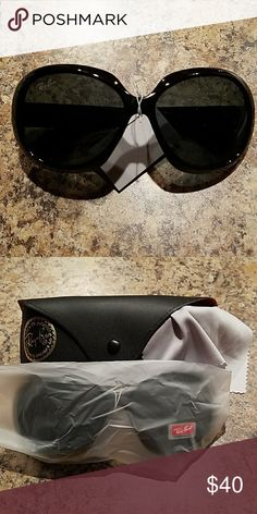 NWT -RAY-BAN SUNGLASSES w/BLACK FRAME & LENSES Super cute sunglasses, new with case and cleaning cloth. Ray-Ban Accessories Glasses