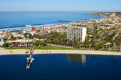 Between Mission Bay and the Pacific Ocean, San Diego Hotels, San Diego views, San Diego resorts, Mission Beach, Catamaran Resort Hotel and Spa