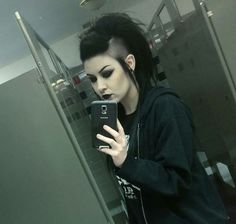 #long hair shaved sides long mohawk gothic punk hairstyles Long Hair Shaved Sides, Shaved Hair Women, Shaved Side Hairstyles, Half Shaved Hair, Undercut Hairstyles, Cool Hairstyles, Men Undercut, Medium Hairstyles, Haircuts