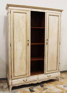 L'armadio in arte povera. Per la camera da letto, ma non solo. https://www.homify.it/librodelleidee/139081/l-armadio-in-arte-povera-per-la-camera-da-letto-ma-non-solo