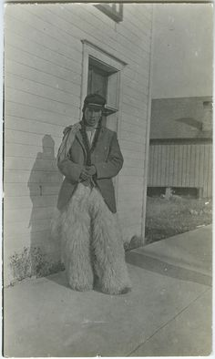United Church of Canada Archives - Digital Collections | [Blood Indian in woolly chaps, Fort Macleod]