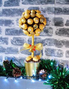 Items similar to Christmas chocolate hamper sweeet tree Ferrero Rocher / Lindor. Personalised festive gift on Etsy Ferrero Rocher Tree, Chocolate Hampers, Lindt Lindor, Sweet Trees, Christmas Chocolate, Color Schemes, Special Occasion, Bubbles, Sweets