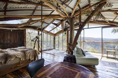 Treehouse sanctuary with unbelievable views over the Blue Mountains