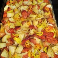 Oven roasted sausages, potatoes and peppers I made this for dinner tonight and we LOVED it! Super easy and very flavorful! oven-roasted sausages, potatoes, and peppers Think Food, I Love Food, Food For Thought, Good Food, Yummy Food, Fun Food, Pork Recipes, Cooking Recipes, Healthy Recipes