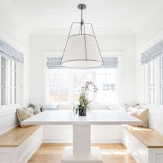 Trendy Kitchen Layout With Breakfast Nook Roman Shades Ideas Booth Seating In Kitchen, Banquette Seating In Kitchen, Kitchen Benches, Dining Nook, Booth In Kitchen, Built In Dining Room Seating, Booth Dining Table, Kitchen Banquette Seating, Table Bench