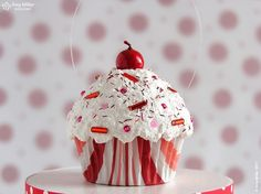 Christmas Cupcake Ornament....pink swirl....add some peppermint please!