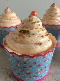Ginger peach mini cakes