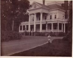 """House from """"Burnt Offerings"""" when it was new in 1906."""
