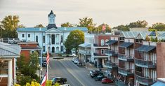 Where to eat, drink, sleep, and feel the football charms in Oxford, Mississippi.
