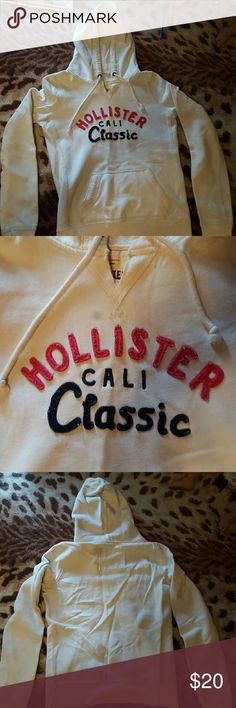 Hollister Hoodie Thermal lining in hood, very minimal signs of wear on the cuffs, like new, medium but fits like a small Hollister Tops Sweatshirts & Hoodies