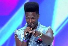 "17-year-old Willie Jones belts out country hit, wows ""X Factor"" panel. (Fox)"