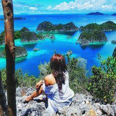 Raja Ampat, a hidden paradise in Papua, #Indonesia  Photo by: IG @ismimelinda