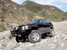Check out this axle and suspension conversion for a Jeep Grand Cherokee ZJ: an easy swap for the front axle, fabrication on the rear axle, and Old Man Emu suspension install inside & Off-Road Magazine. 1998 Jeep Grand Cherokee, Jeep Zj, Offroad, 4x4, Monster Trucks, Vehicles, Image, Off Road, Car