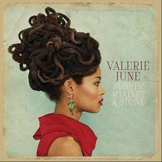 Pushin' Against a Stone (2013)   Valerie June   Descargas de MP3 7digital España.  Veu de Tennessee.